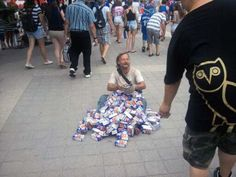 Baseball Fans Overwhelm a Homeless Man with Kindness July 9, 2013 At a Toronto Blue Jays game, a simple promotion turned into a an overwhelming act of kindness. Baseball fans were given free mini boxes of Frosted Flakes at the game. On their way out, countless fans went out of their way to donate the food to a better cause… a homeless man near the stadium.  It may be simple, but it's still touching.