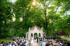 Rosewell House wedding ceremony on Indiana University campus in Bloomington, IN by Tall + Small Photography | http://www.tallandsmallphotography.com/indiana-university-wedding-photography-laura-andrew/