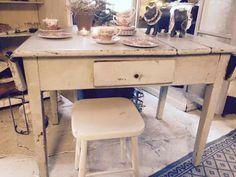 Bord. Fransk landstil og vintage. Hvidt & Slidt, Studiestræde 3, 4300 Holbæk