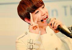 7 Super Cute Fan Service K-Pop Idols Do That Melts Our Hearts | Koreaboo — breaking k-pop news, photos, and videos