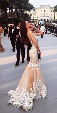 Wonderful Perfect Wedding Dress For The Bride Ideas. Ineffable Perfect Wedding Dress For The Bride Ideas. Perfect Wedding Dress, Wedding Dress Styles, Dream Wedding Dresses, Bridal Dresses, Wedding Gowns, Bridesmaid Dresses, Wedding Shot, Modest Wedding, Wedding Dj