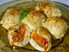 The stoves of Ana Sevilla: Filled eggs gratin - Hard Boiled Eggs Egg Recipes, Appetizer Recipes, Mexican Food Recipes, Healthy Recipes, Eggs In Oven, Spanish Tapas, World Recipes, Boiled Eggs, Hard Boiled