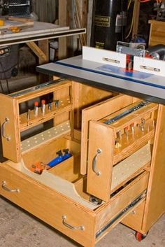 Enclosed kreg router table for the workshop pinterest kreg kreg router table plans description or building an entire set of raised panel doors from scratch but your design now has me leaning towards greentooth Image collections