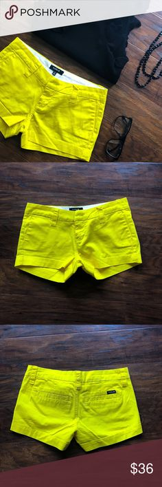 Hurley Yellow Shorts🔅🔅 Love these Hurley Yellow Shorts!  Tag says size 1!  Great condition! 👍🏻 Hurley Shorts