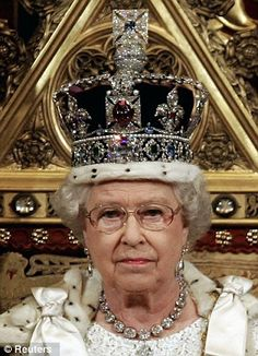 The Imperial State Crown which has been worn by Queen Elizabeth II throughout her reign. It was designed for her father George VI and remodeled for Elizabeth to give it a more feminine look and to lower the height of the crown by an inch. British Crown Jewels, Royal Crown Jewels, Royal Crowns, Royal Tiaras, Royal Jewelry, Jewellery, Queen Elizabeth Ii Crown, Imperial State Crown, Elisabeth Ii