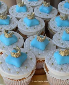 Royal cupcakes fit for a Prince's 1st Birthday! See more party ideas at CatchMyParty.com Royal Cupcakes, Holiday Cupcakes, Cupcake Cakes, Cinderella Sweet 16, Cinderella Birthday, Cinderella Theme, Baby Shower Cupcakes, Shower Cakes, Baby Shower Parties