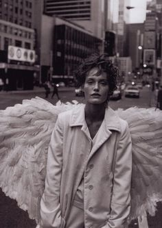 Photos PETER LINDBERGH  Harper's Bazaar - Angels - Amber Valetta - Dec 1993