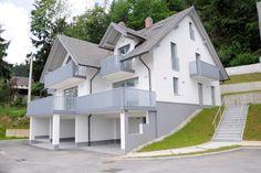 Casa en Bled, Eslovenia. A superb spacious, contemporary 3 bedroom house, with…