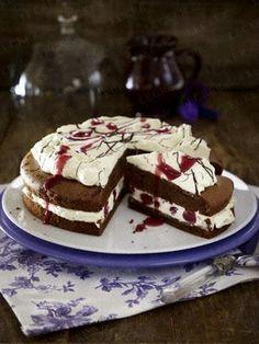 Das Rezept für Schokoladen-Kirsch-Torte und weitere kostenlose Rezepte auf LECKER.de