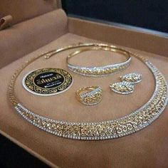 Stylish American Diamond Necklace Set with Matching Earrings – FashionVibes Jewelry Sets, Fine Jewelry, Jewelry Clasps, Cheap Jewelry, Diamond Necklace Set, Diamond Jewelry, Golden Jewelry, Black Jewelry, Gold Jewellery Design