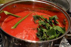 Bulion de rosii - reteta mamei mele | Savori Urbane Thai Red Curry, Salsa, Mexican, Urban, Ethnic Recipes, Food, Essen, Salsa Music, Meals