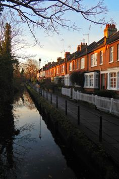Enfield, London - Gentlemans Row and the New River