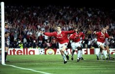 Manchester United overcome Bayern Munich in the 1999 Champions League final at the Camp Nou in Barcelona after scoring 2 last minte goals to come from behind, Ole Gunnar Solskjaer celebrates bagging the winner Newcastle, Football 2018, Football Match, Football Players, Victory Parade, Man Utd News, Russia 2018, Premier League Champions, Manchester United Football
