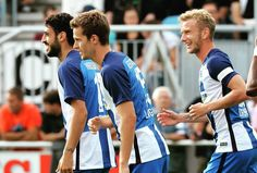 Eckenkombo mit Cigerci dessen Flanke nickt Basti locker ein: 1:0 füüüüüür Hertha BSC! #hahohe