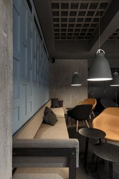This would be a good idea to put on our main floor with so people could sit and relax and eat there snacks/food etc.