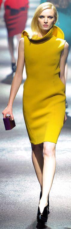 Love this colour - Lanvin Ready-to-Wear, Fall Paris Fashion Week. Runway Fashion, High Fashion, Fashion Show, Womens Fashion, Fashion Design, Paris Fashion, Fall Dresses, Dresses For Work, Formal Dresses