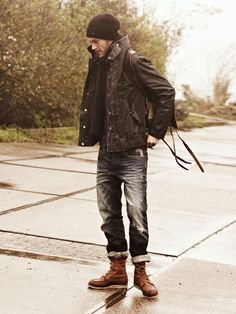 Classic autumn outfit, scarf, cuffed jeans, redwings