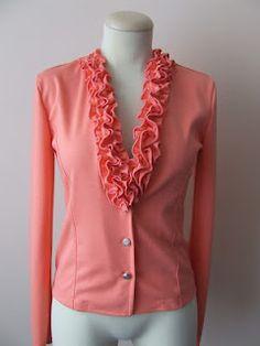 Varrókuckó: Korall színű fodros My Works, Sweaters, Fashion, Moda, Fashion Styles, Sweater, Fashion Illustrations, Sweatshirts, Pullover Sweaters