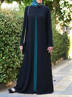The Elegant Abaya – Hijab Fashion 2020 Hijab Style Dress, Hijab Chic, Chic Dress, Hijab Casual, Abaya Style, Muslim Women Fashion, Islamic Fashion, Abaya Designs Latest, Habits Musulmans