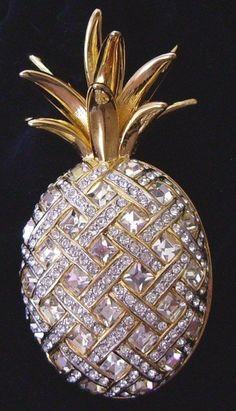 Signed+Swan+Swarovski+Pineapple+Brooch+Pin+