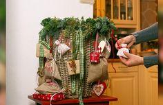 Diys, Burlap, Reusable Tote Bags, Advent Calenders, Bricolage, Hessian Fabric, Do It Yourself, Homemade, Diy