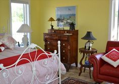 A beautiful guest cottage awaits you and is perfect for cozy getaway on stunning Cathead Bay Lake Michigan in Northport.
