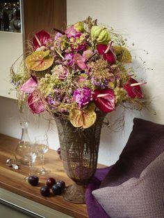 Big, bigger, biggest... Hugh Anthurium bouquet with different varieties. Lots of colour!