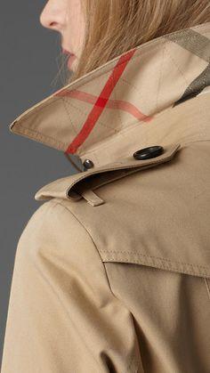 Burberry - SHORT COTTON GABARDINE TRENCH COAT