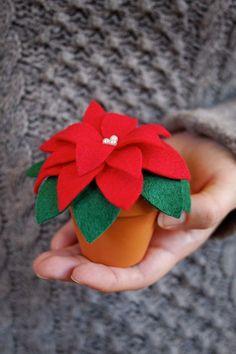 """DIY für immergrüne Weihnachtssterne aus Filz - """"Fee ist mein Name"""" // everlasting felt Poinsettia"""
