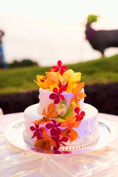 Tropical Wedding Cake | Fletch Photogrpahy | Theknot.com