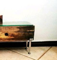 mini aparador rústico com tampo de vidro em oito milímetros - decoração rustick brazil