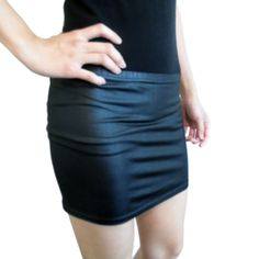 Faux Leather Pleather Mini Skirt Black Mod Fashion, Trendy Fashion, Fashion Beauty, Strap Heels, Outfit Ideas, Mini Skirts, Glamour, Fantasy, My Style