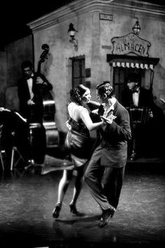 photo noir et blanc : danseurs de Tango, danse