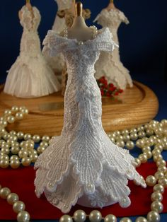 Dollhouse Miniatures By Felma( this is a miniature!fudge it's prettier than a real dress!)