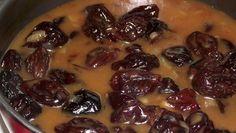 Bine ati venit in Bucataria Romaneasca Ingrediente -1 ceapa -400 g prune uscate -2 linguri faina -2 linguri ulei Preparare Prunele se spala bine in apa calda si apoi se Beans, Chicken, Vegetables, Cooking, Food, Inspiration, Honey, Green, Kitchen