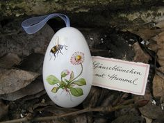 Easter Art, Easter Bunny, Easter Eggs, Holiday Themes, Holiday Decor, Carved Eggs, Egg Designs, Egg Art, Egg Decorating