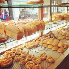 @bobgailevents POILÂNE (page officielle) Le pain français #poilanebakery #foodieproblems #painpoilane @sjoseph08 #mrandmrsjoseph