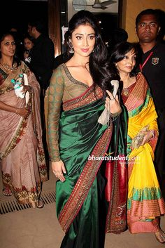 INDIAN ACTRESS: South Indian actress Shriya Saran backless bikini blouse saree at ramp walk South Indian Bride, South Indian Actress, Indian Bridal, Saree Dress, Saree Blouse, Indian Dresses, Indian Outfits, Wedding Saree Collection, Bridal Blouse Designs