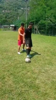 Soccer Dribbling Drills, Football Training Drills, Football Workouts, Soccer Skills For Kids, Soccer Practice, Play Soccer, Soccer Jokes, Soccer Gear, Soccer Equipment