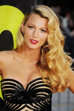 Blake Lively Hair, Makeup, Beauty Looks