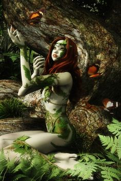 This is the fairy I based my Forest Fairy, Ochala, on.  She's enchanting.