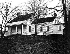 The Collins House Home History, Paper Mill, Historical Sites, Art And Architecture, Cottage Style, New Jersey, Photo Galleries, Mansions, Black And White