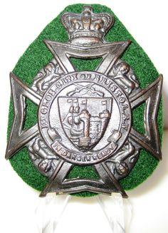 Militaria UK – Cap / Headdress Badge – (City of Bristol) Volunteer Battalion The Gloucestershire Regiment - Glengarry. Navy Air Force, British Armed Forces, City Of Bristol, Napoleonic Wars, Headdress, World War, Cap, Personalized Items, Badges