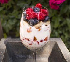http://vitamincook.com/recipes/радужный-йогурт/