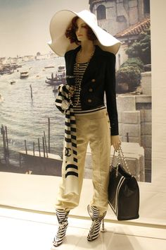 LOUIS VUITTON DISPLAY MANNEQUIN  | Chanel, Sloane Street. Chanel's nautical collection with a Venice ...
