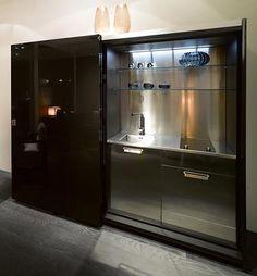 Pequeñas cocinas ocultas para oficinas de Casa Fendi - DecoraHOY