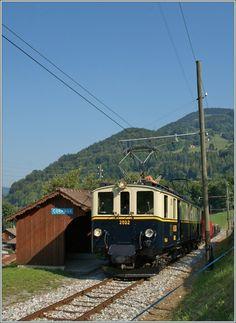 Switzerland - MOB'stalgie: The heritage FZe 6/6 2002 with a Cargo Train by Cornaux. 09.09.2012