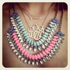 ooooh, love this look! layered necklaces, monogrammed necklace