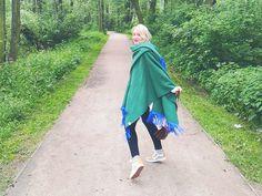 Das Capemädchen und ich im Wald. Mehr auf kathrynsky.de