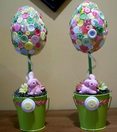 I found the adorable bunnies and used them in these Easter Topiaries.  #buttons #pinitparty
